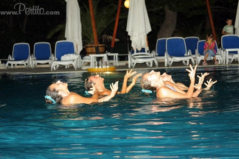Синхронно Плуване - Пертито