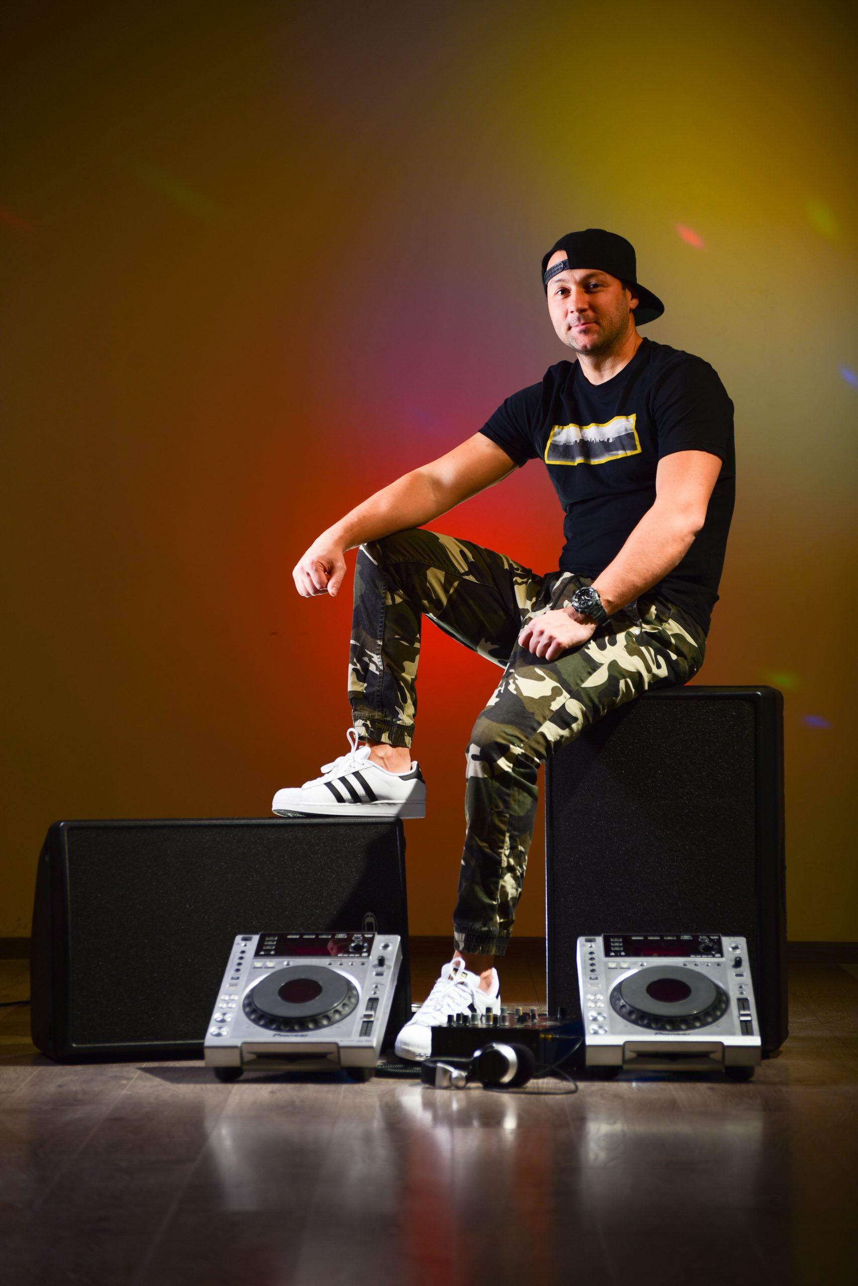 Петко Василев - DJ Petrakis - Пертито