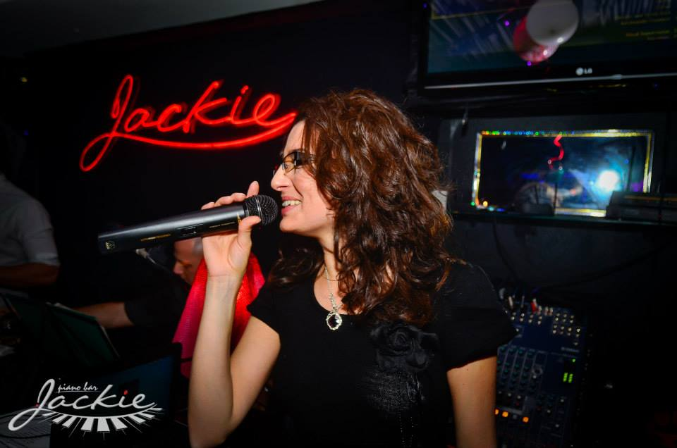 Iva Ivanova - singer - Пертито
